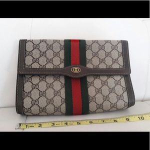 Gucci GG classic Clutch Purse Vintage Style
